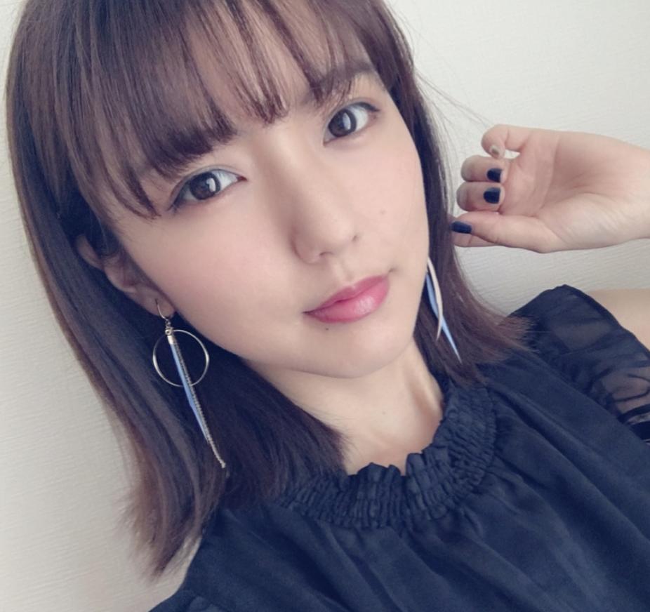 真野恵里菜 by Instagram